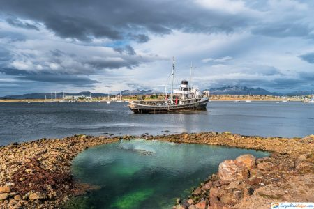 barco hundido en ushuaia